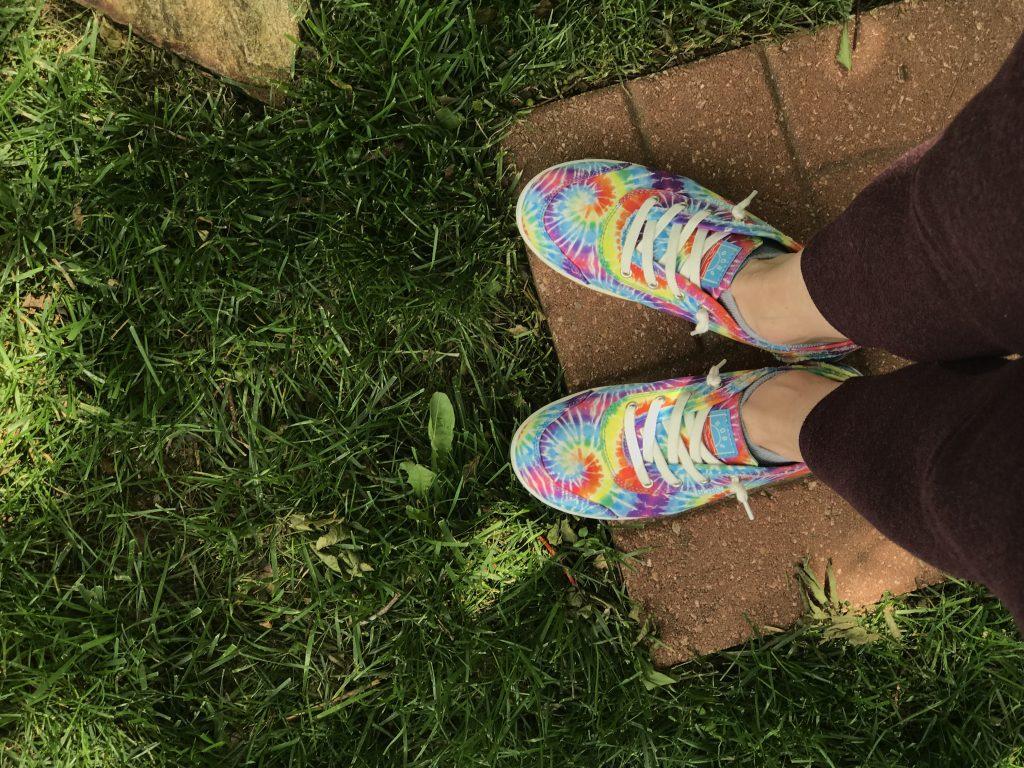 tie die shoes